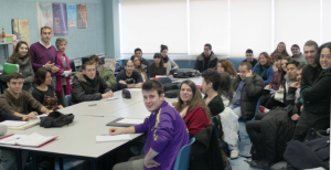 Reunión inicial en la Escuela de Arte para la elaboración de material gráfico.